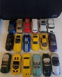 Título do anúncio: Coleção Carros Inesquecíveis - Maisto