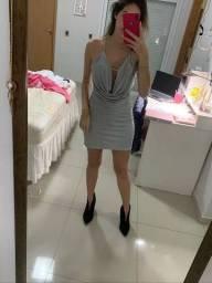 Vestido prata curto