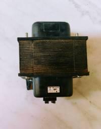 Transformador 110vca- 220vca. 1000VA