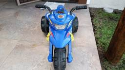 Veículo moto semi novo