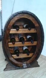 Adega para vinho com capacidade de 7 garrafas