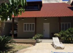 Casa duplex em Jardim Camburi
