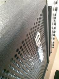 Vendo amplificador + Cort B4