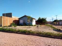 VENDO uma casa de esquina no Vale do Gavião