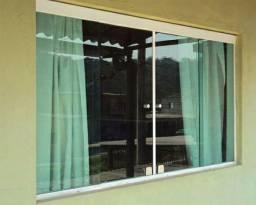 Vendo janela de 2 folha verde 8mm, med 110 Al x 120 larg