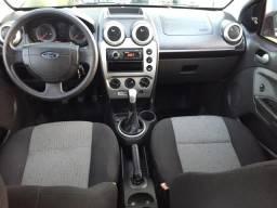 Vendo Fiesta sedan class 1.6 ou troco - 2012