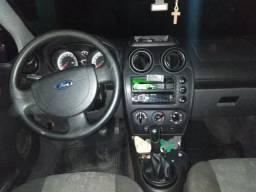 Fiesta 2011 completo troco em carro com ano inferior - 2011