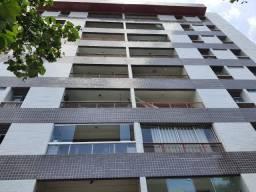 Apartamento com 3 qts sendo uma suite com dependencia
