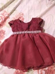 Vestido de bebê (TAM. 06 meses)
