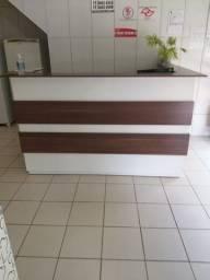 Conjunto de móveis comercial - balcão, estante e aparador
