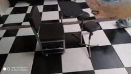 Cadeira de manicure com gaveta e chave