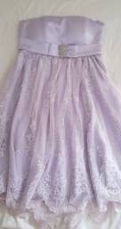 Vestido lilás curto de cetim com renda importada e strass seminovo
