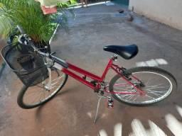 Vendo uma linda bicicleta