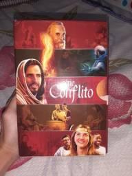 Título do anúncio: Série Conflito- 5 volumes. Perfeito estado  (novo).