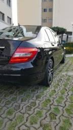 Mercedes c180 preta, bem cuidada!