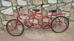 Bicicleta dupla com garupa