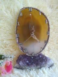 Relógio mesa com pedra ágata amarela com ametista