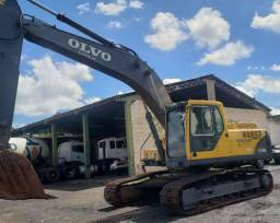 Escavadeira Volvo EC 240B LC