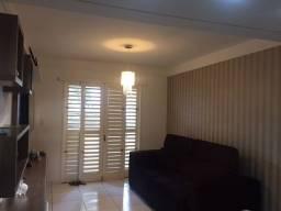 Aluga casa com mobília, condomínio fechado