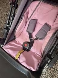 Título do anúncio: Carro de bebê e cadeira semi novos única dona, pouquíssimo usado!