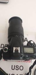 Câmera fotográfica Nikon D90 profissional com os acessórios