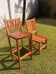 Cadeiras e Banquetas Ana Hickman ?