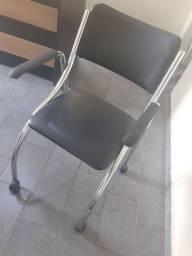 Cadeira 4 rodas escritório intacta