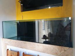 Aquário de 190x60x60 vidro 12mm muito novo. Sem arranhados