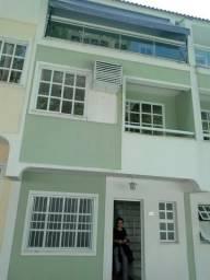 Casa desocupada, reformada, 3 qtos(suite), Camorim