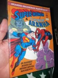 Título do anúncio: Super homem e Homem Aranha grandes encontros Marvel e DC.
