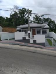 Linda casa geminada em Palhoça com valor acessível!