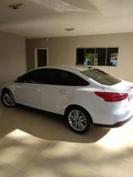 Ford Focus sedan power shift 15/16 2.0 - 2016