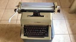 maquina  de escrever olivetti linea88