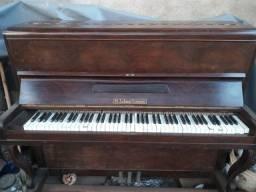Piano usado algumas teclas sem som