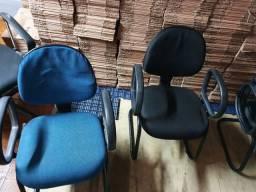 Conjunto com 5 Cadeiras Almofadadas