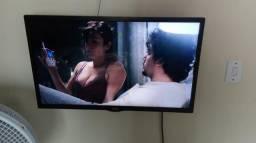 Televisão 32 polegadas bem conservada sem qualquer problema oba.não e smarte! !!