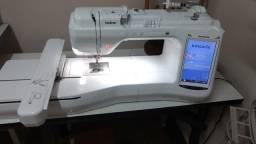 Máquina de bordar Eletrônica BP 2100 semi-nova