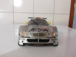 Mercedes CLK-GTR Leia o Anúancio