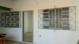 Casa 02 quartos com garagem $ 600,00