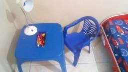 Mesinha com cadeira infantil