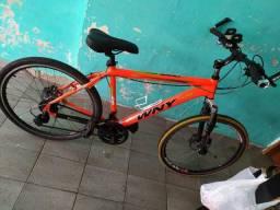 Vendo Bicicleta aro 26, freio hidráulico zero