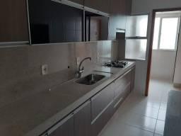 Apartamento Grande com Mobílias 3 Quartos Suíte Sacada com Churrasqueira 2 Garagens