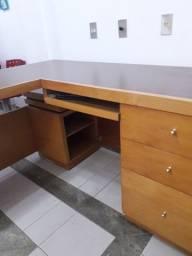 Mesa madeira maciça pra escritório ou consultório