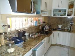 Vende-se casa 3 qts área Gourmet