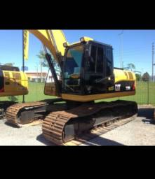 Escavadeira 320DL - Caterpillar<br><br>