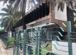 Prédio comercial Luciano Carneiro, Vila União, Parreão.