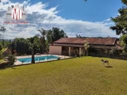 Ch0920 - Chácara ampla, 03 dormitórios, piscina, pomar, à venda em Pinhalzinho/SP