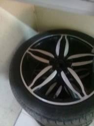 Roda 17 pneus novos