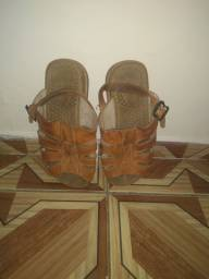 Sandália masculina de couro $50.00
