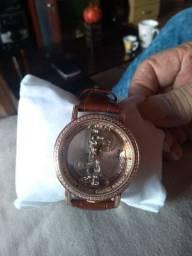 Relógio feminino  , marca corum